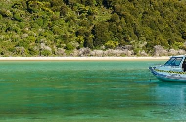 Awaroa Escape - Walk - Hike -Abel Tasman Aqua Taxi